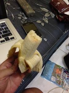 pisang ini padahal empuk, tapi bikin gusi berdarah