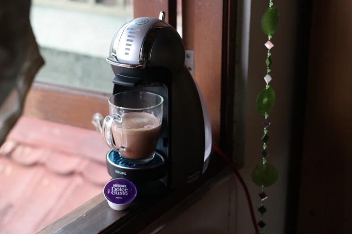 Ini genio si mesin kopi mungil yang bentuknya kayak penguin. hihihi