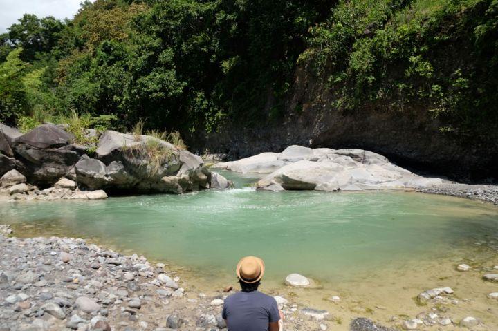 Sungai pinggir jalan aja kece begini