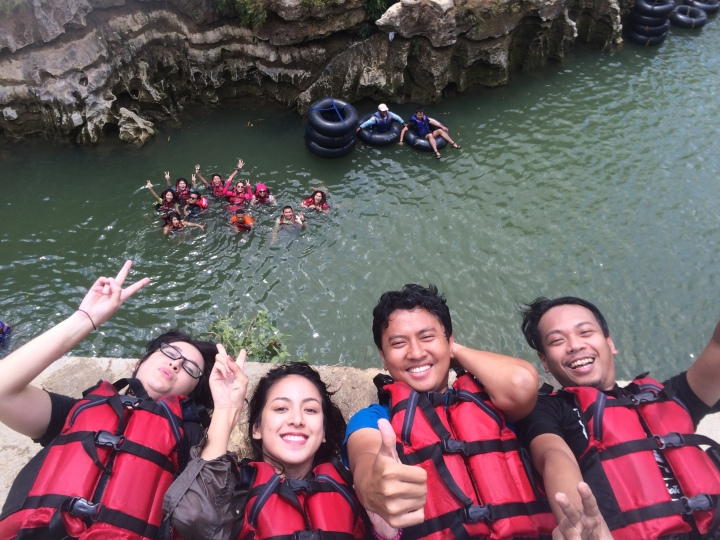 River tubing sungai oyo jogjakarta