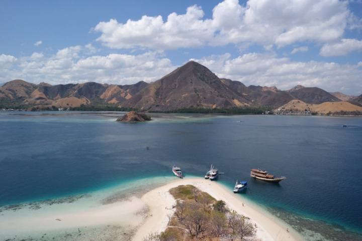 Labuan bajo pulau kelor padar indonesia