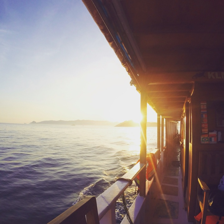 labuan bajo pulau padar pulau komodo