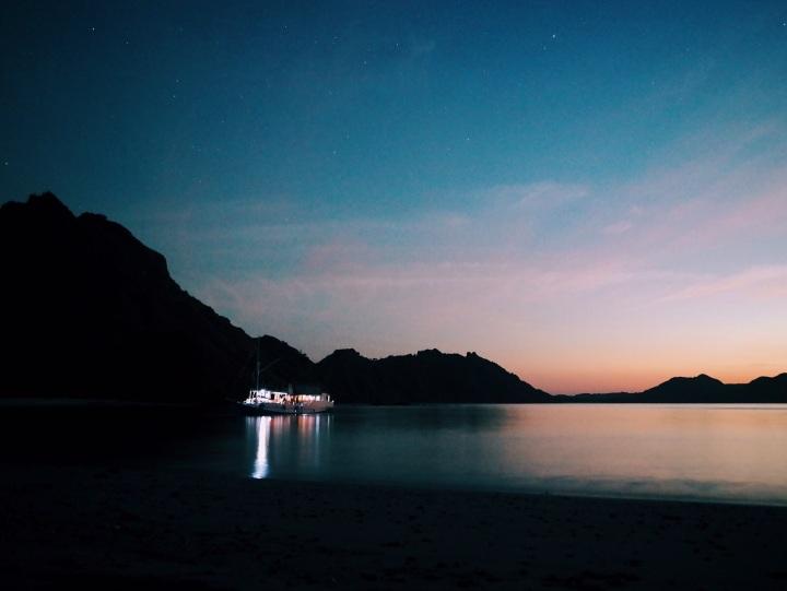 labuan bajo pantai pink pulau padar pulay kelor