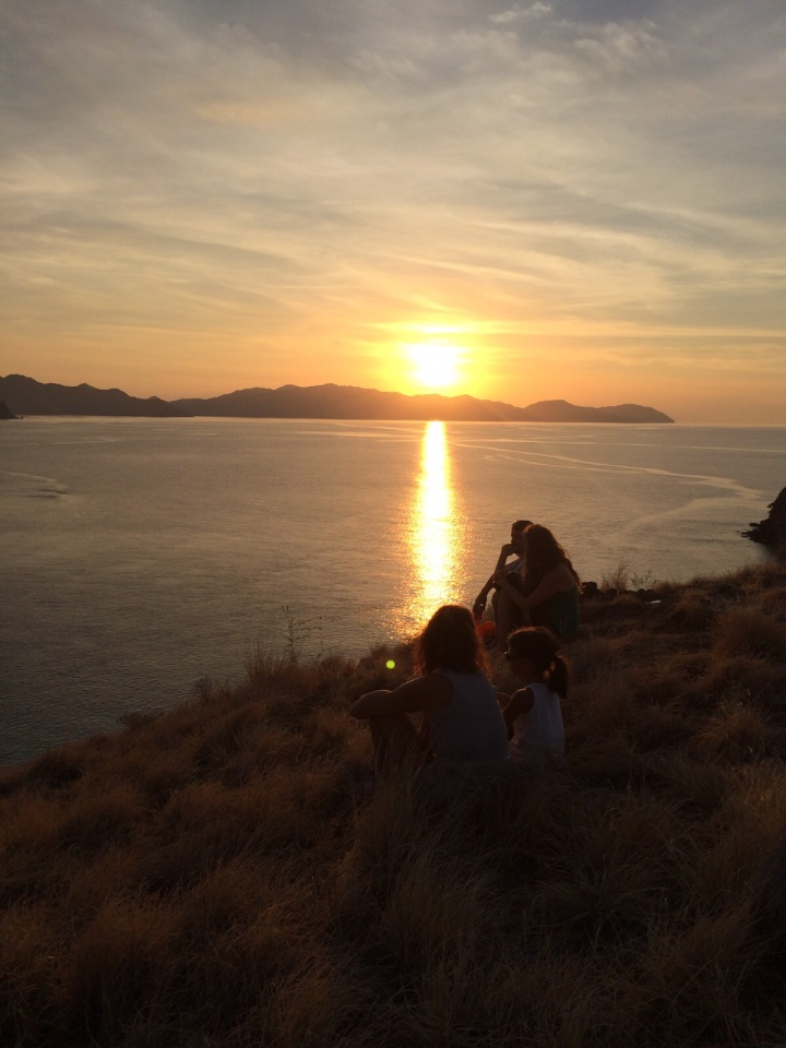 Sunset di Gili Lawa